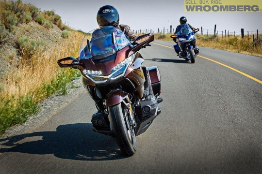 Honda GL1800 Goldwing Tour DCT Airbag -18-3.jpg