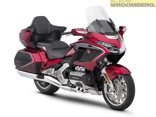 Honda GL1800 Goldwing Tour DCT Airbag -18-4.jpg